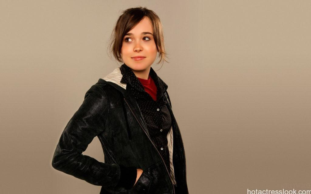 Ellen Page Looks hot in shorts