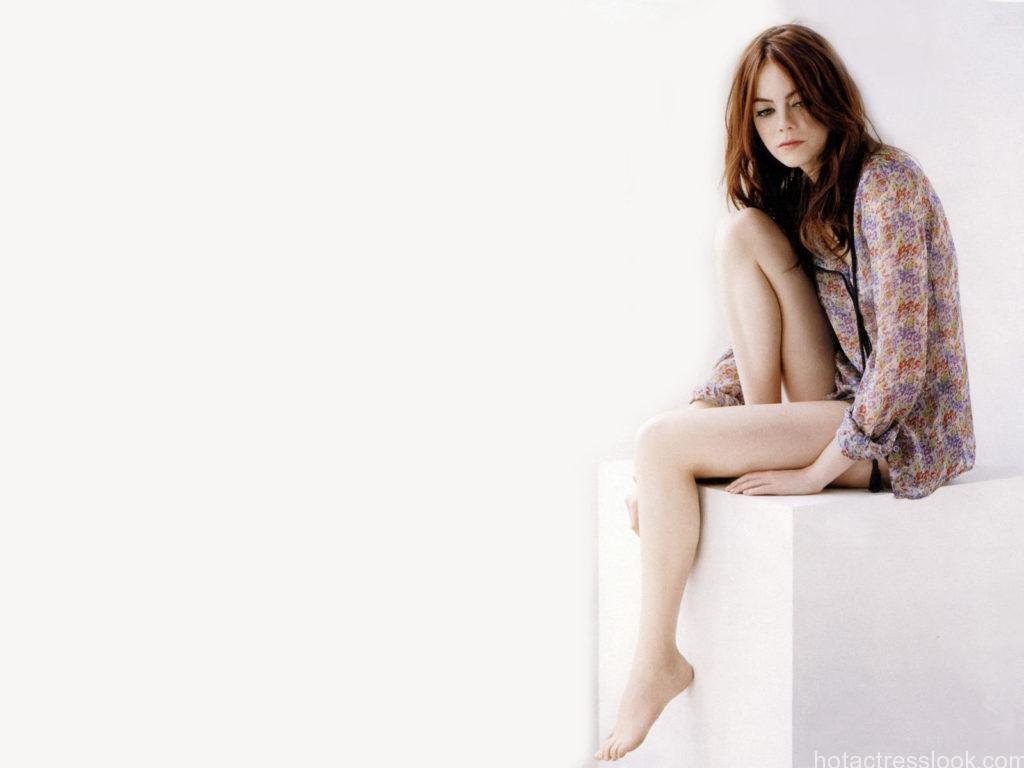 Emma-Stone-001-1600x1200