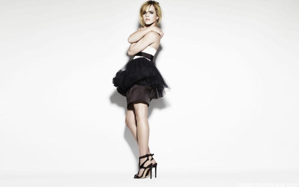 Emma Watson hot in bikini