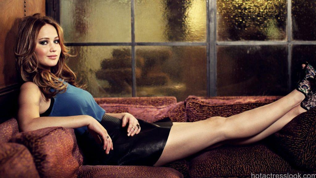 Jennifer Lawrence hottest bra image