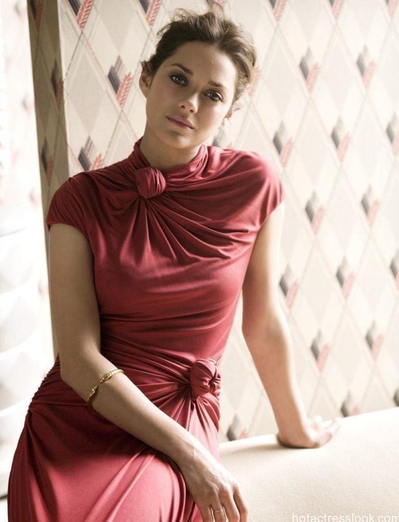 Marion Cotillard Sexy Pic