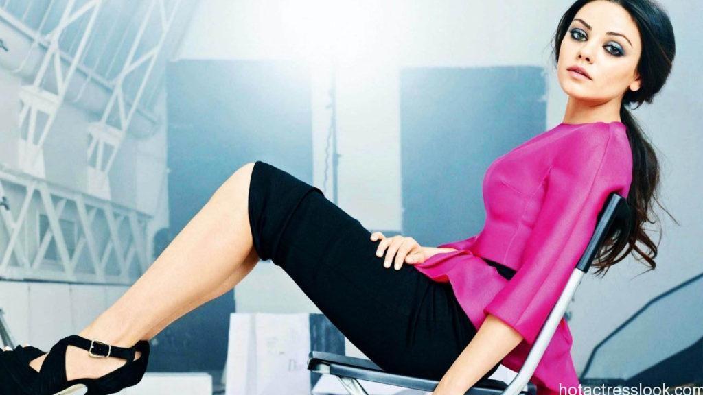 Mila Kunis classy hot