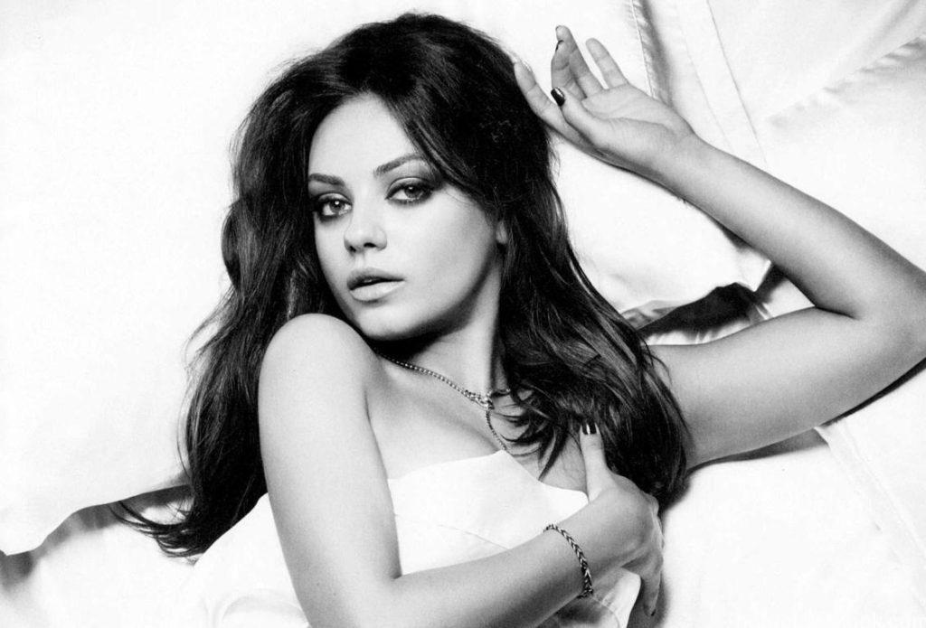 Mila Kunis hot photos in bikini