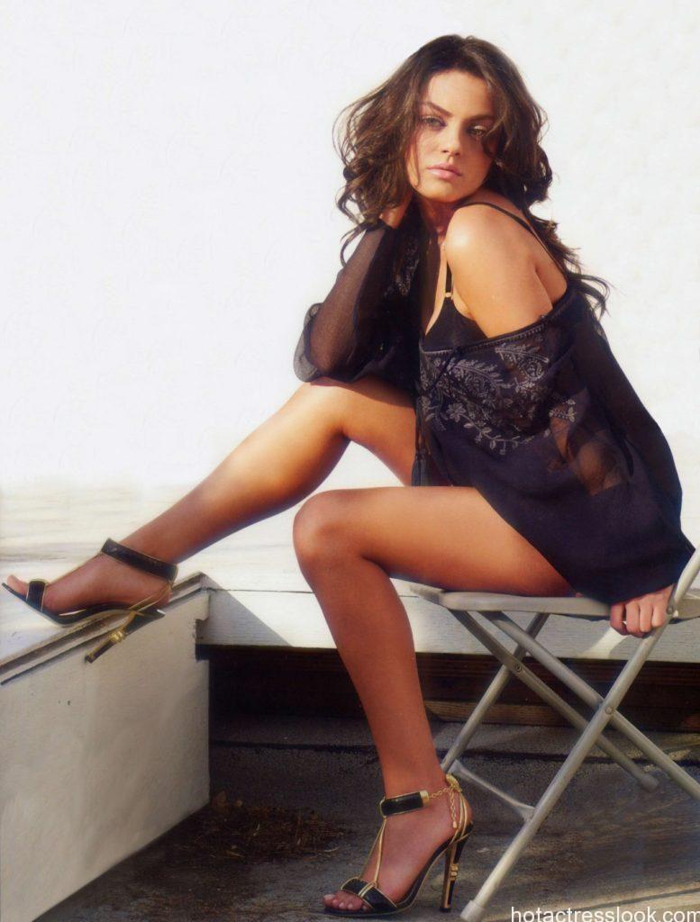 Mila Kunis sexy