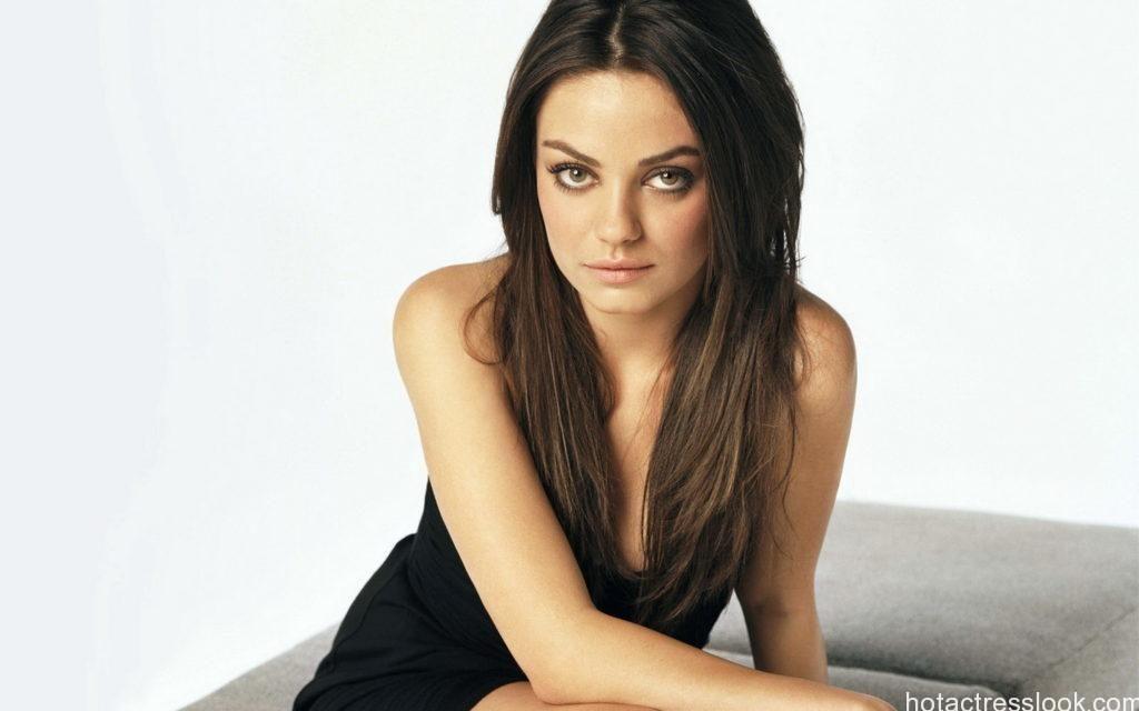 Mila Kunis sexy pics