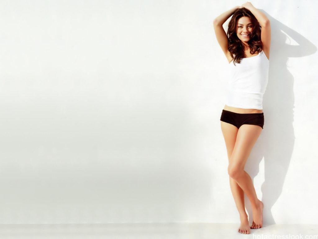 Mila Kunis sexy stills