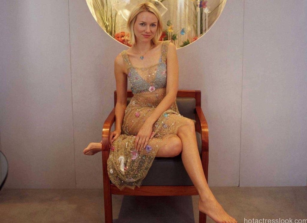 Naomi Watts Sexy In Bikin