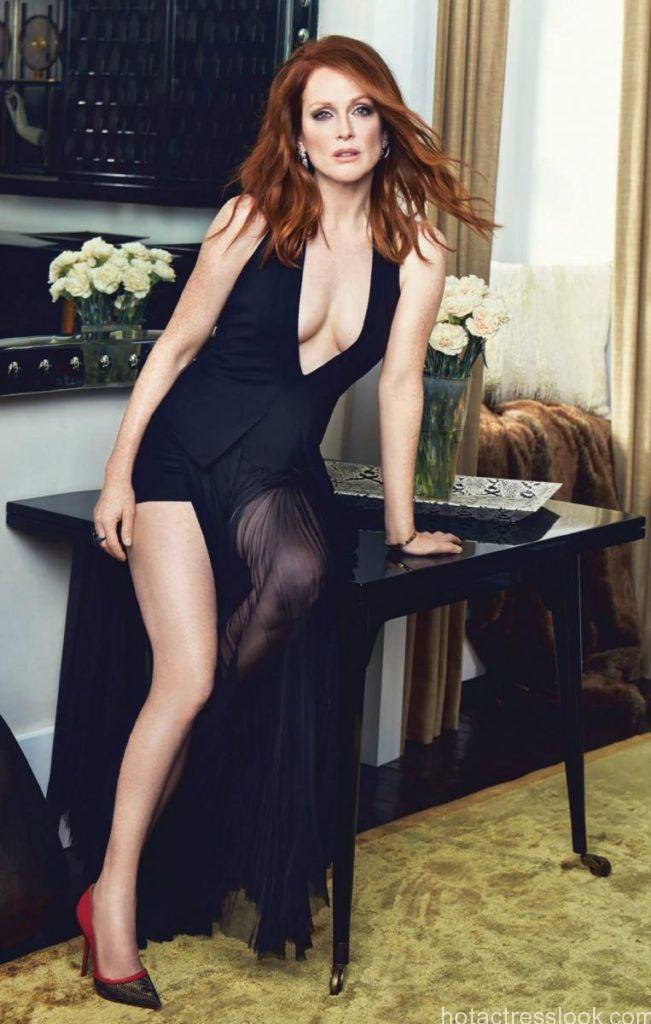 Naomi Watts Sexy image