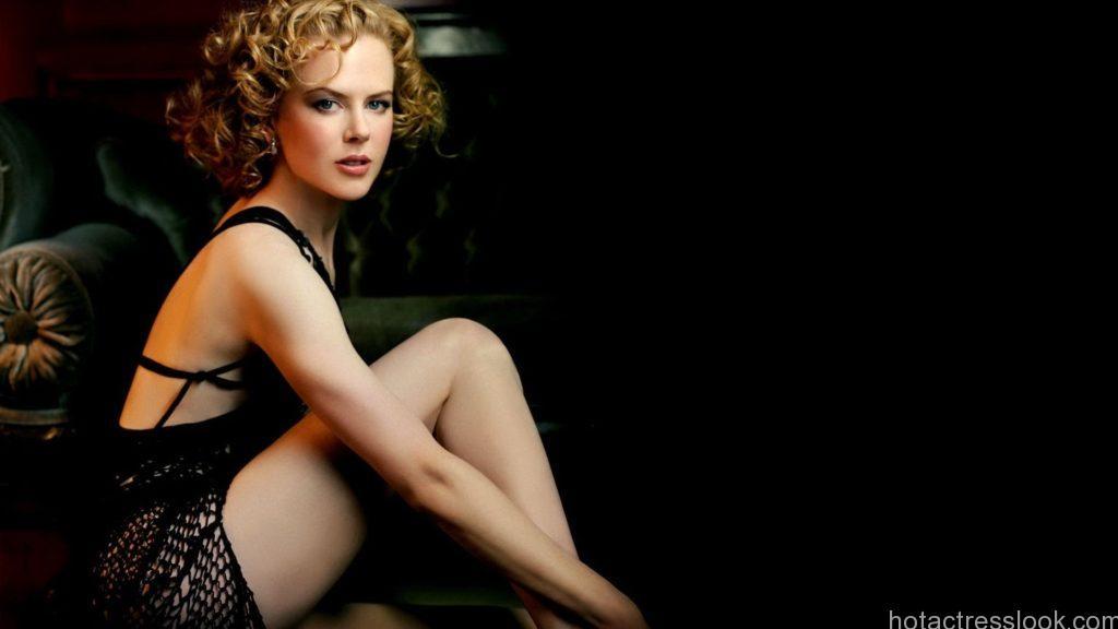 Nicole Kidman Sexy Poses