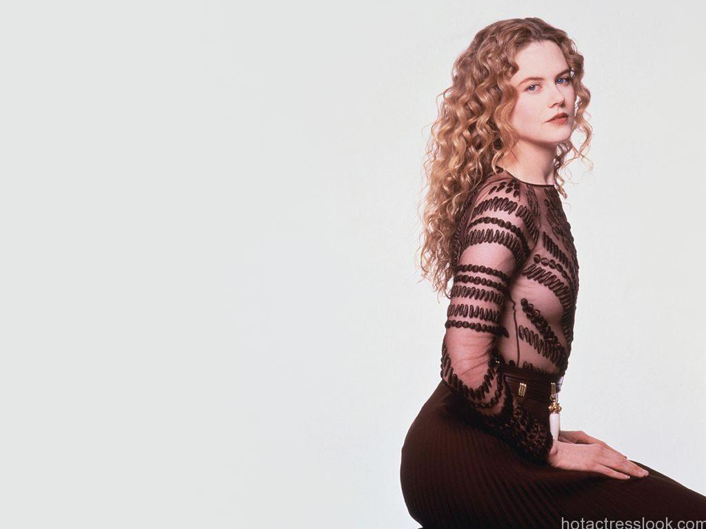 Nicole Kidman Sexy hot in bikini