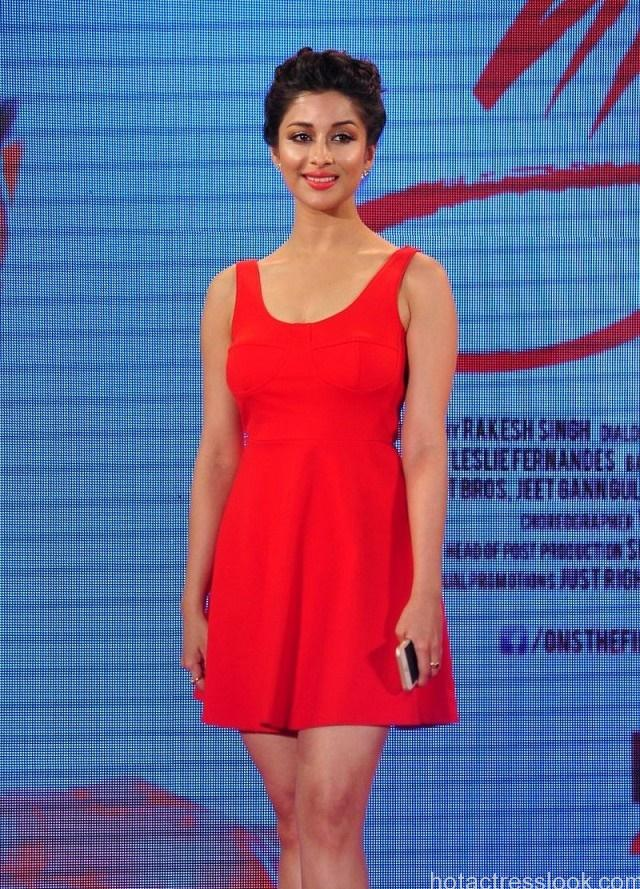Nyra-Banerjee-actress-short-red-dress-One-Night-Stand-trailer-launch-640x920