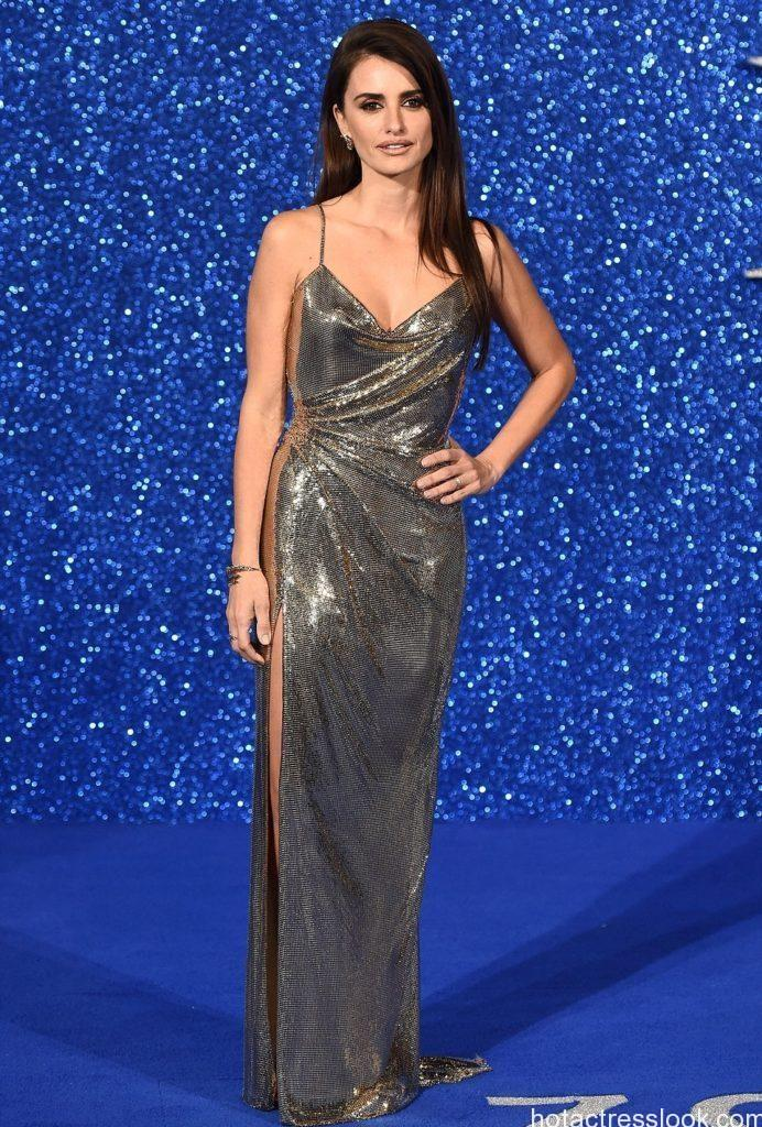 Penelope Cruz Looked Stuning