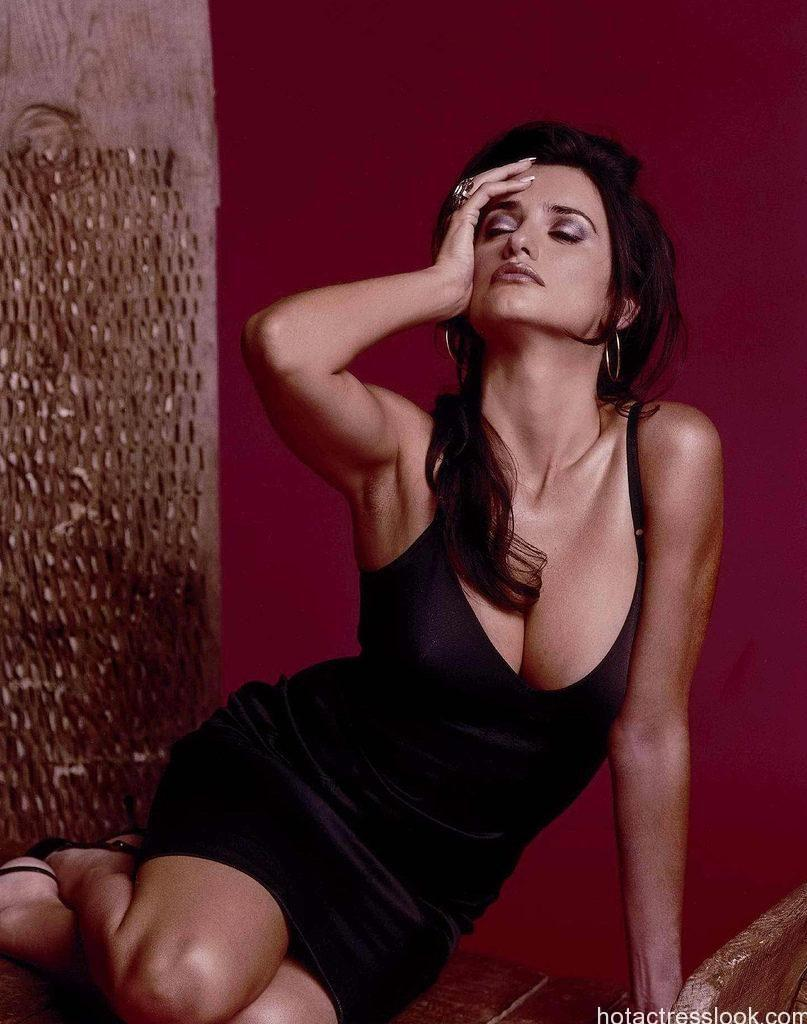 Penelope Cruz showing sexy boobs in lingerie