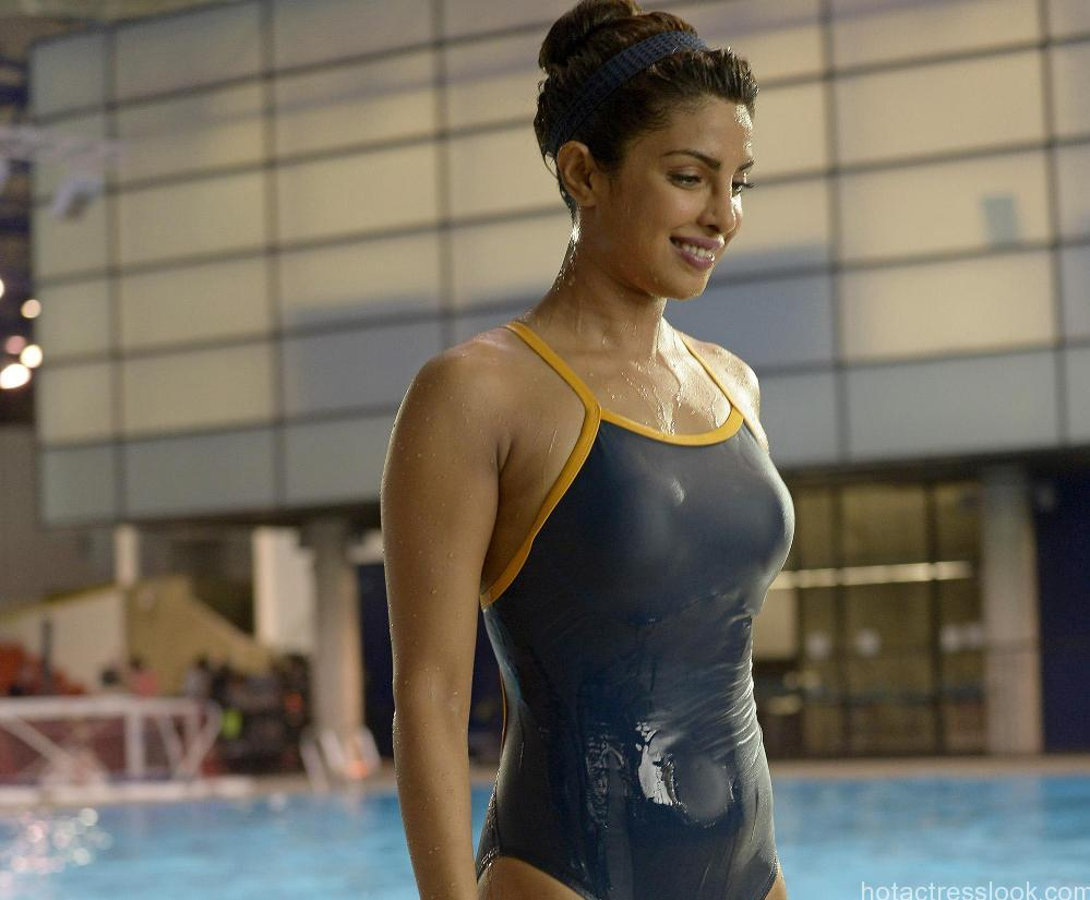 Priyanka-Chopra-hot-HD-bikini-wallpapers