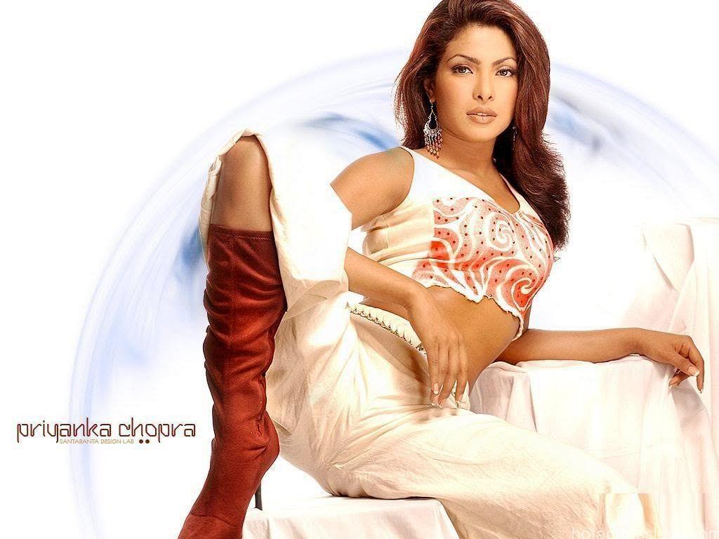 Priyanka-Chopra-sexy-pics-2015