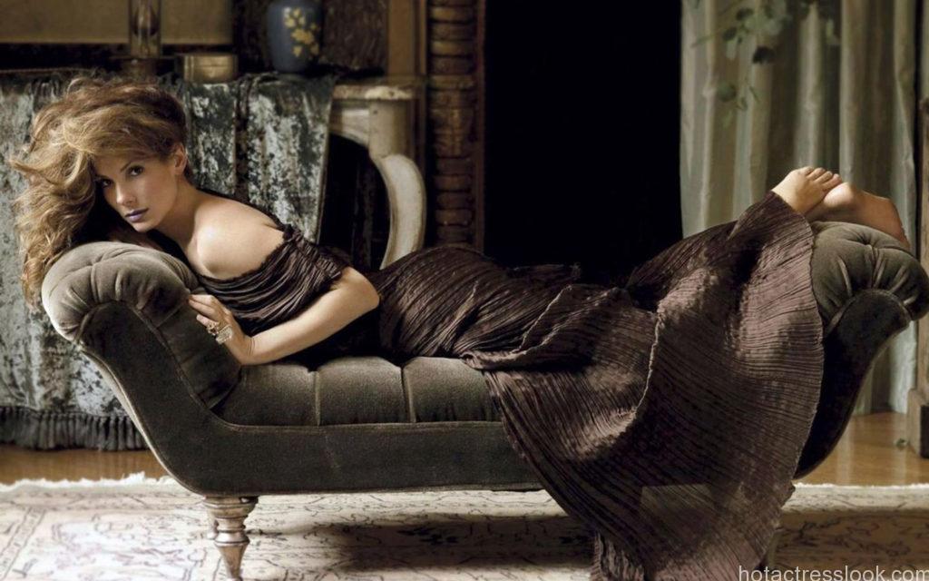 Sandra bullock sexy in bed