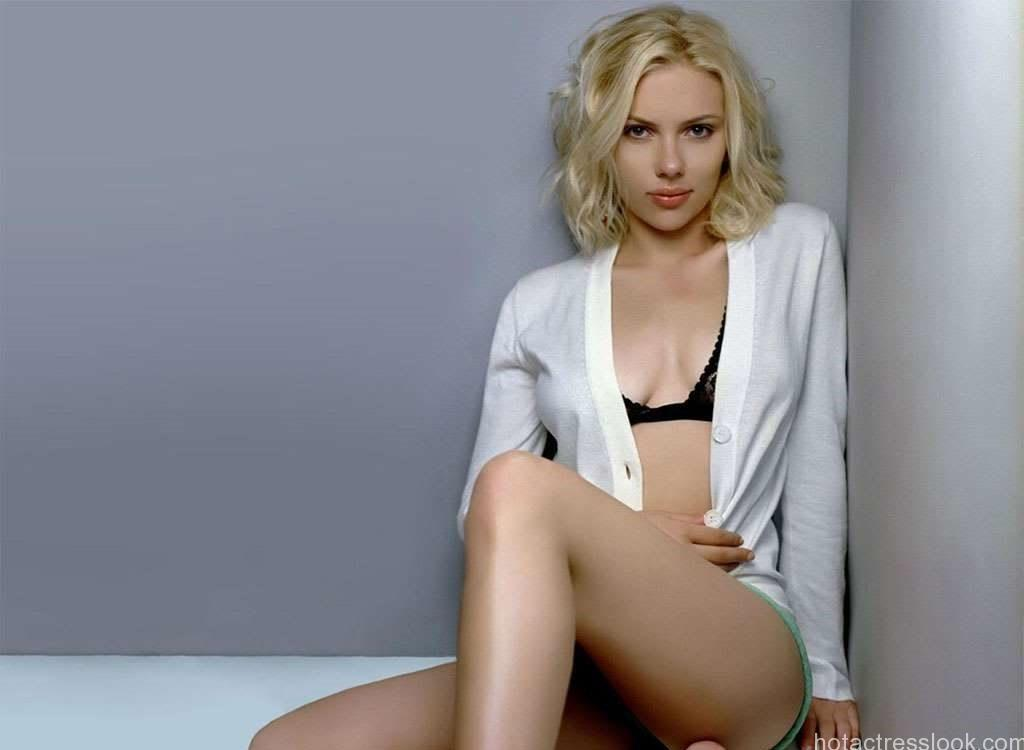 Sexy-Scarlett-Johansson