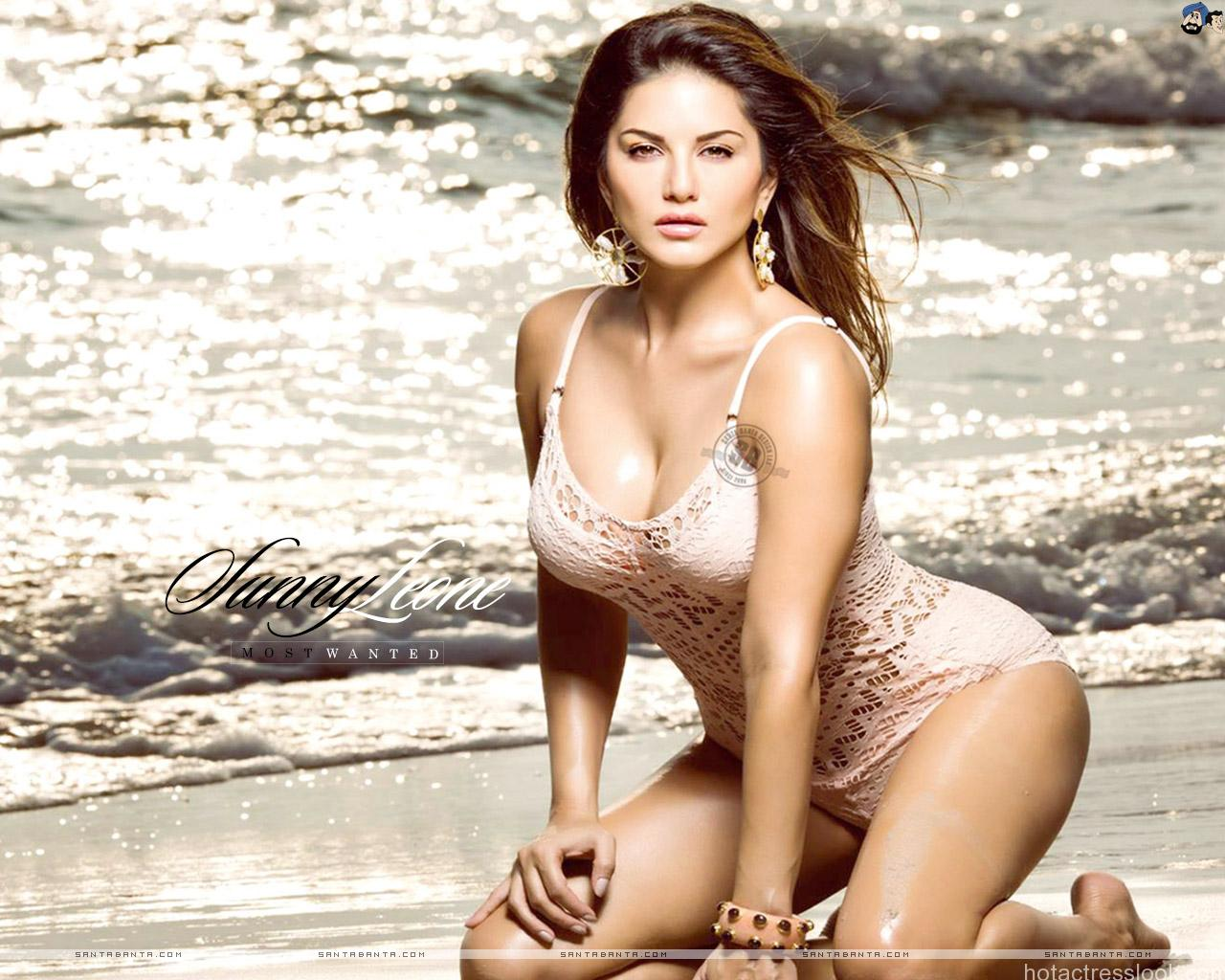 Sunny Leone sexy unseen wallpapers