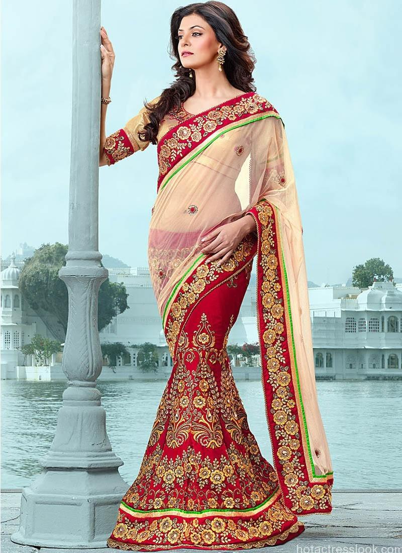 Sushmita sen looks hot in saree