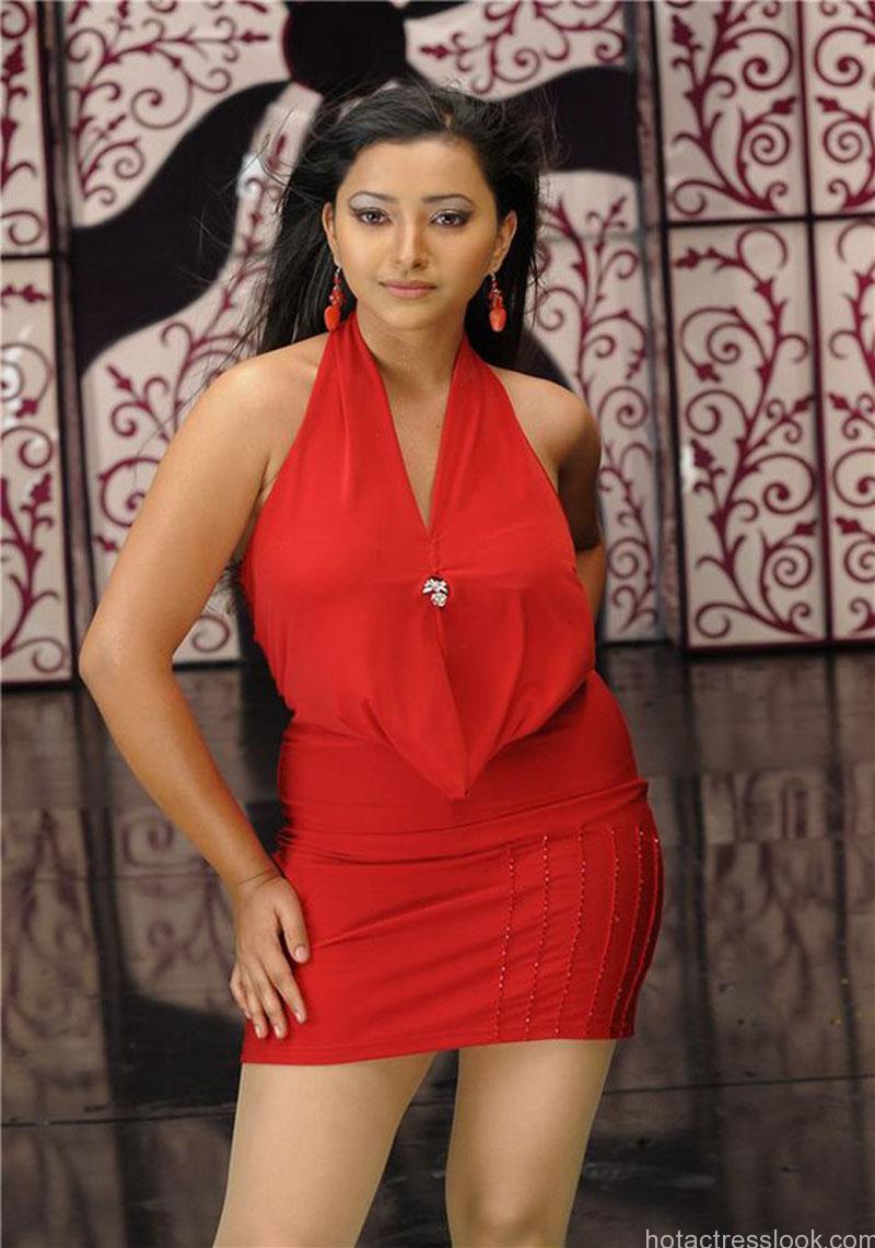 Sweta Basu Prasad hot pics