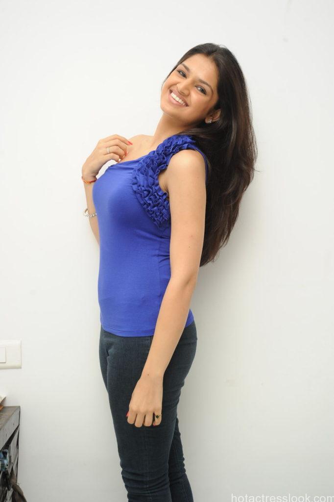Tara Alisha Actress Stills-af82a9dca7afec1584e7a4c8249e5e2b
