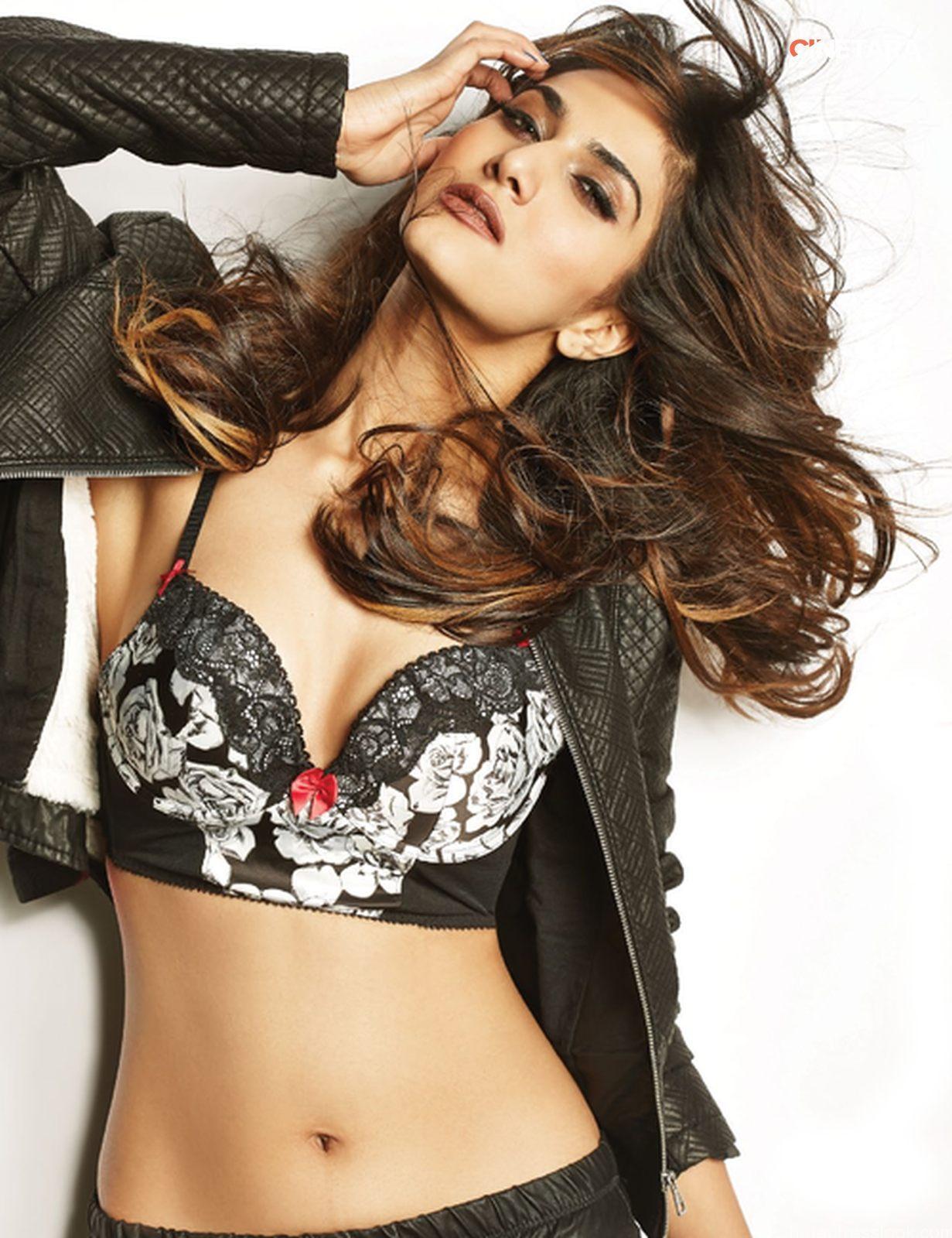 Vaani Kapoor sexy photoshoot
