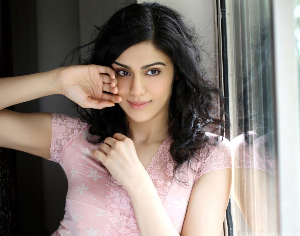 adah-sharma-smile