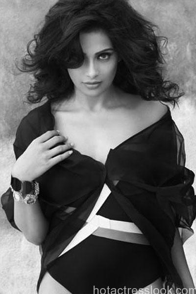 bipasha-basus-hot-photo-shoot