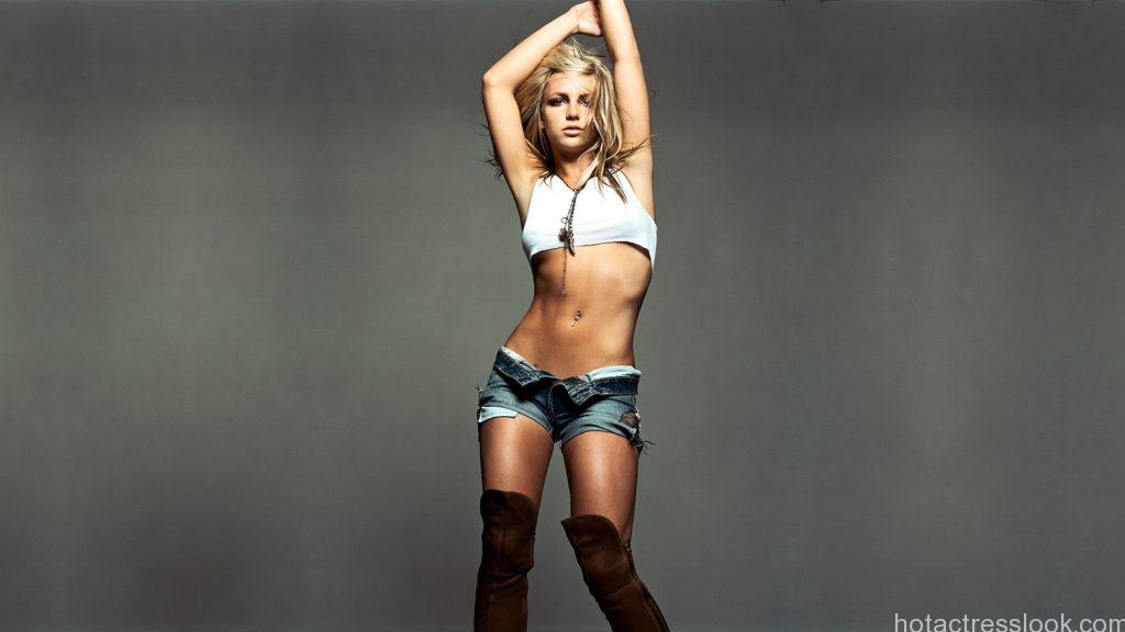 britney_spears_armpits_stomack_shorts_shoes_5001_1920x1080