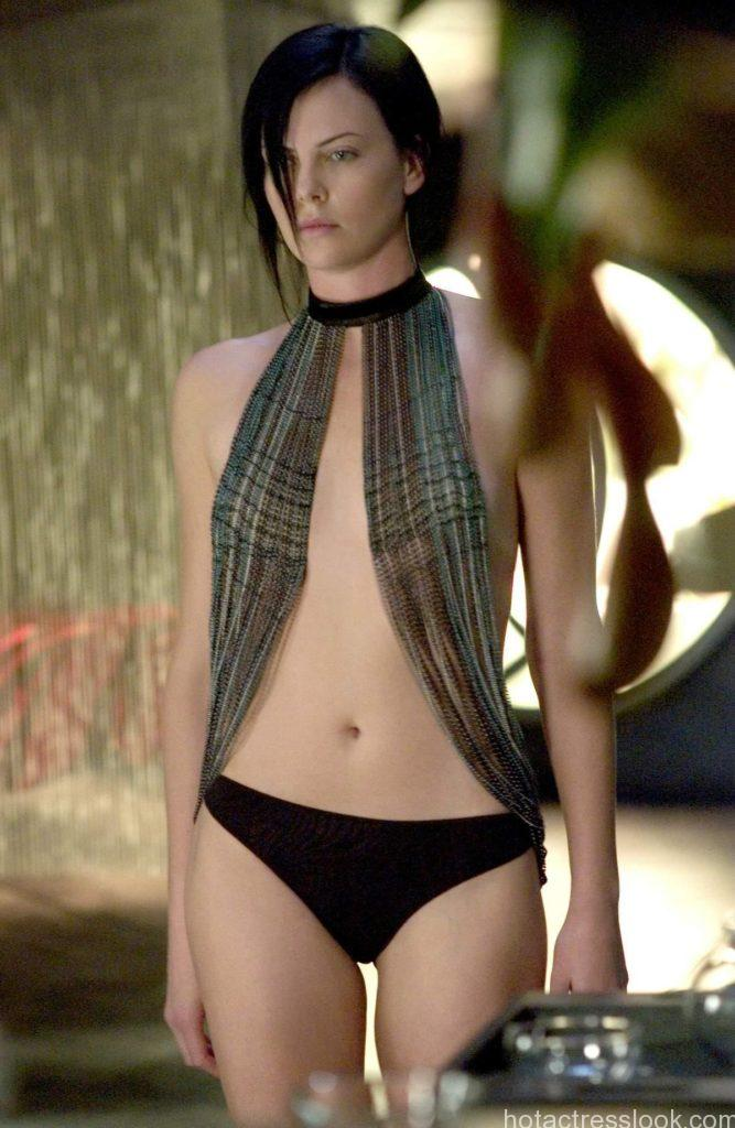 charlize-theron-hot-pic-from-aeon-flux-635744037182859947-13992