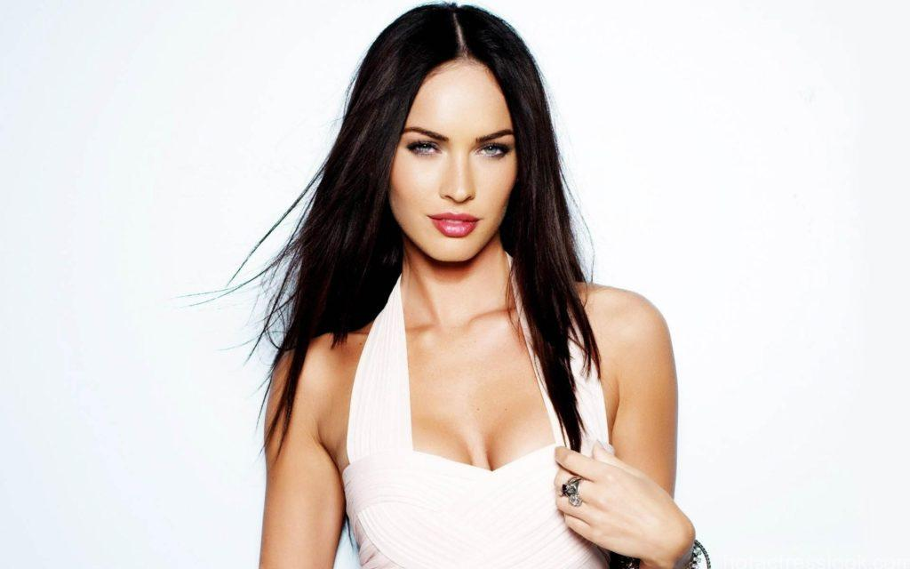 megan-fox-look-sexy-in-white-dress-635794237978248689-17105