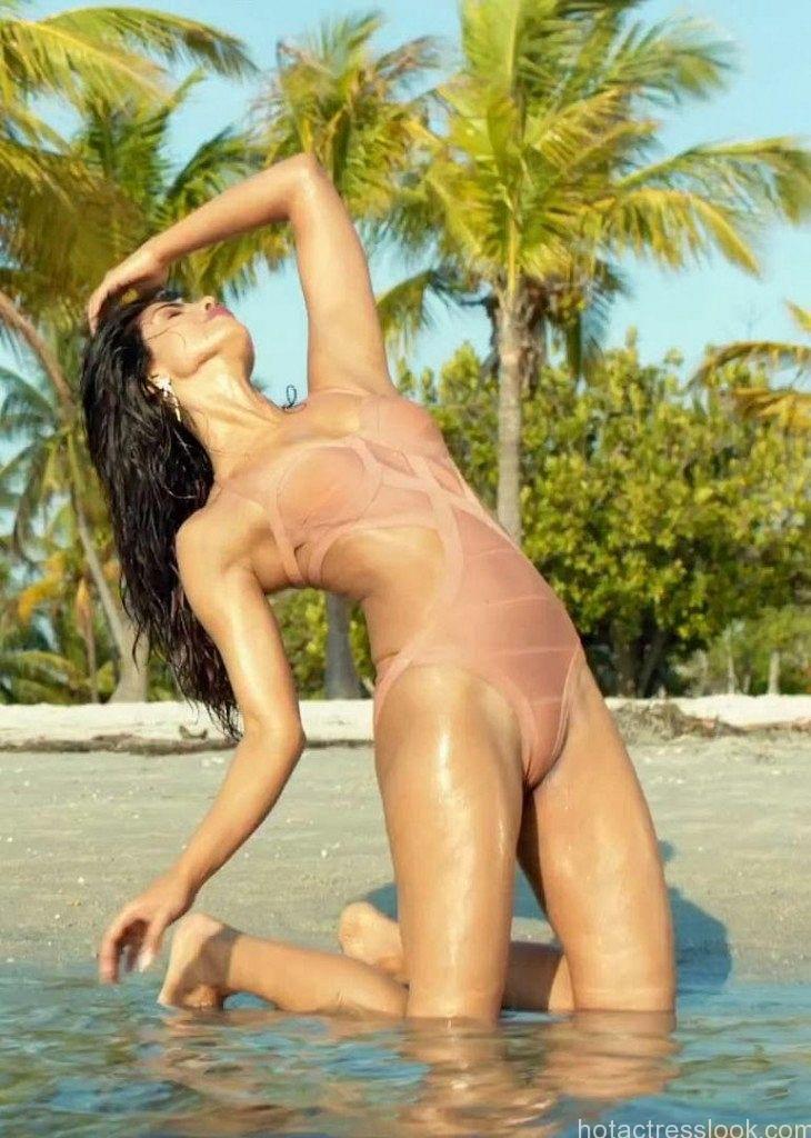 priyanka chopra full sexy xxx bikini