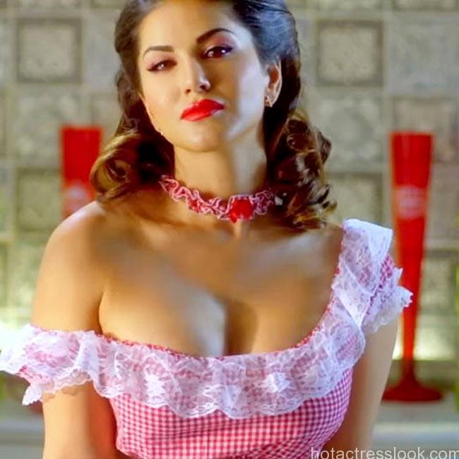 sunny-leone-clicked-in-off-shoulder-dress-during-shoot