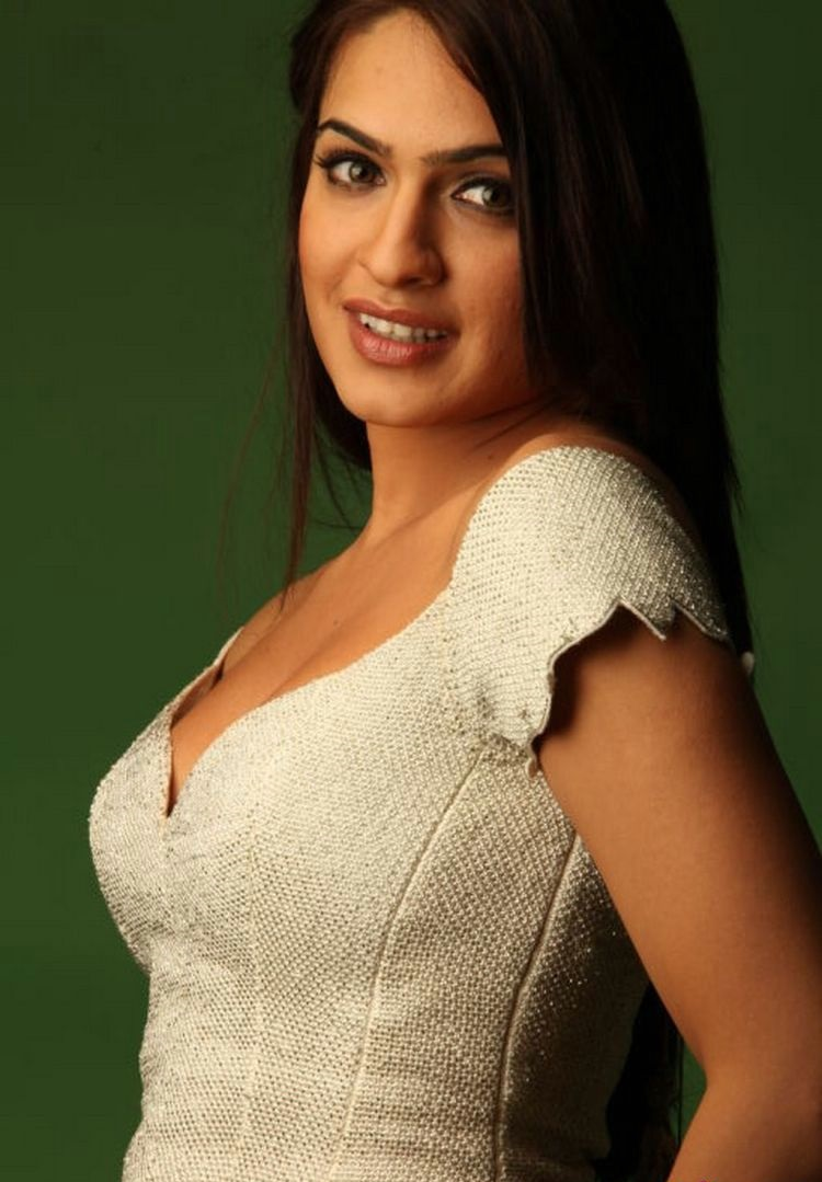 Aditi Agarwal hot and cute pics