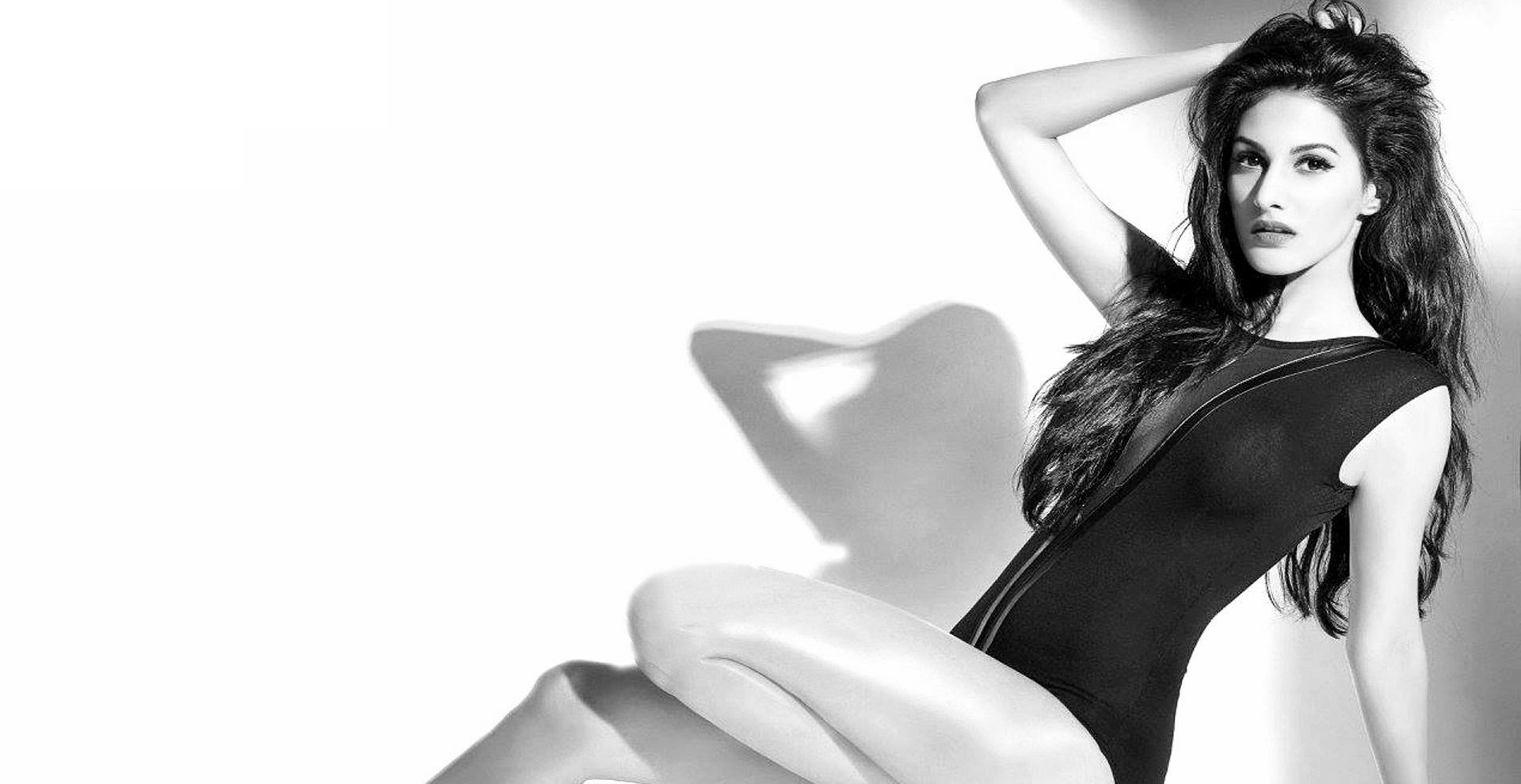 Amyra Dastur sexy photos