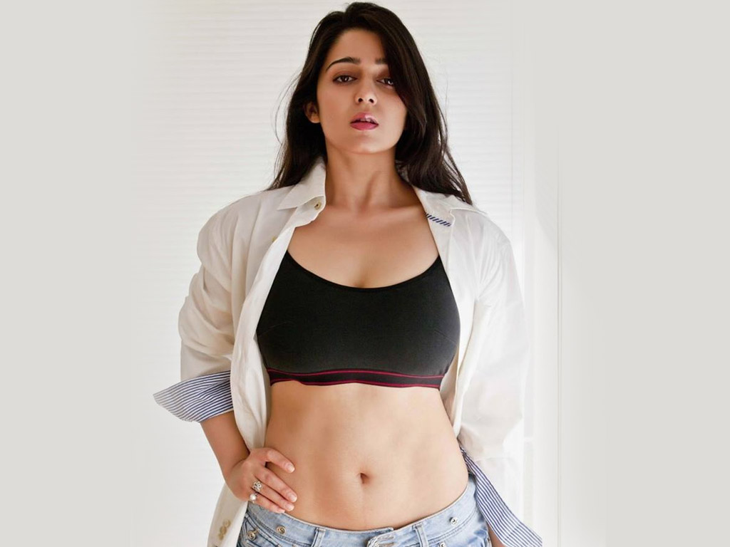 Charmi Kaur hot images