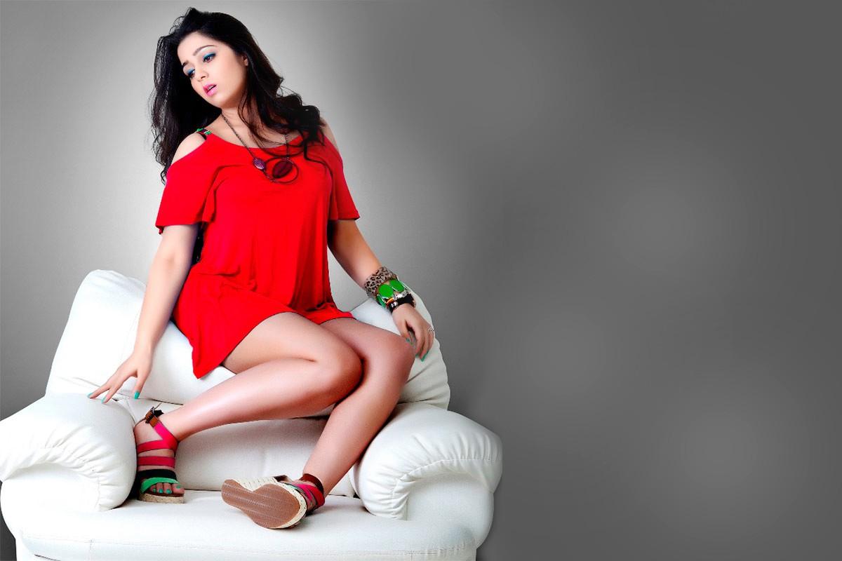 Charmi Kaur sexy images in bikini