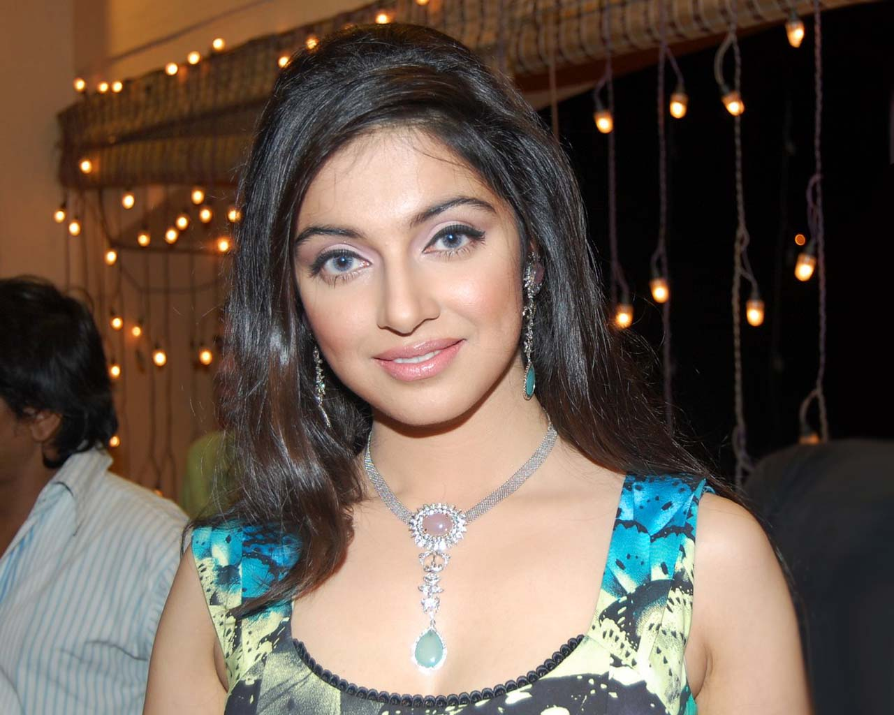 Divya Khosla Kumar hot pics