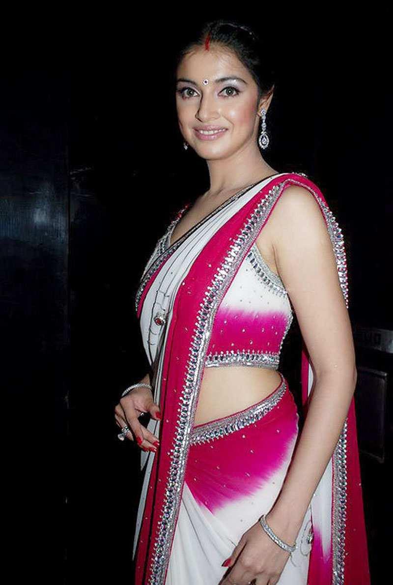 Divya Khosla Kumar sexy stills
