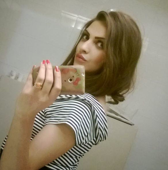 Himanshi Khurana Hot photos