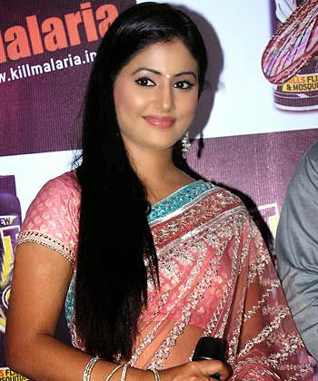 Hina Khan Hot Bikini photos