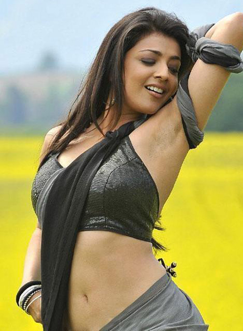 Kajal-Agarwal-Hot-Navel-16