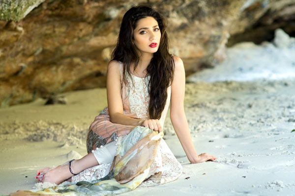 Mahira Khan hot image