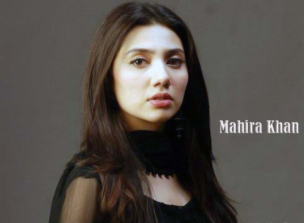 Mahira Khan in saree