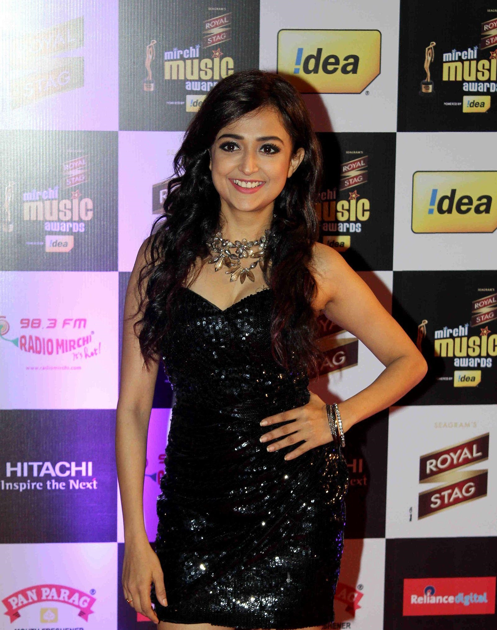 Monali Thakur hot in black dress