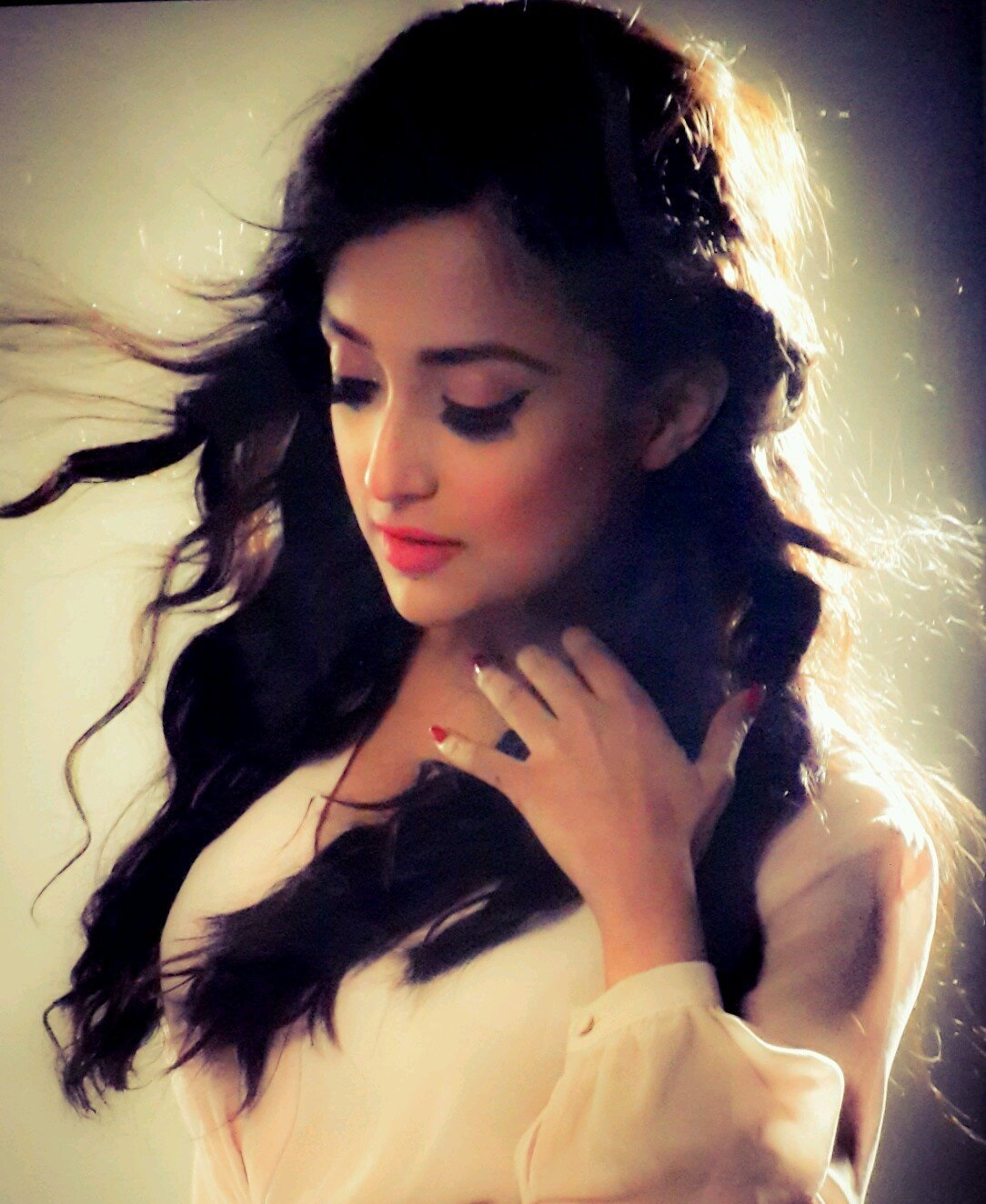 Monali Thakur sexy photos
