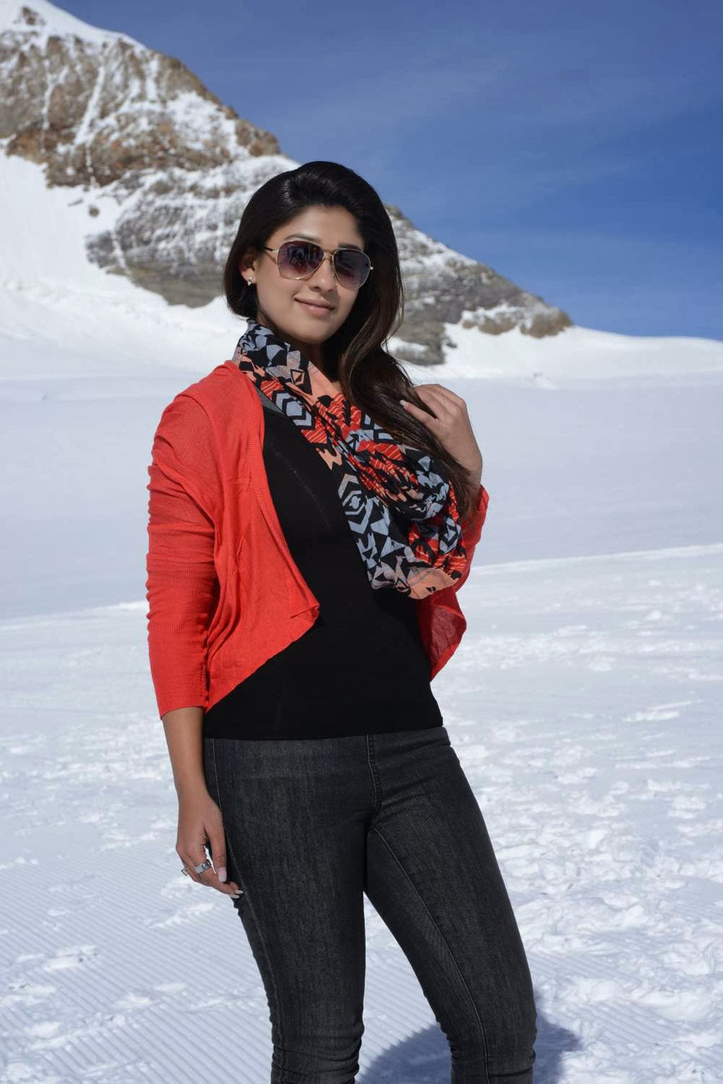 Nayanthara Hot in jeans