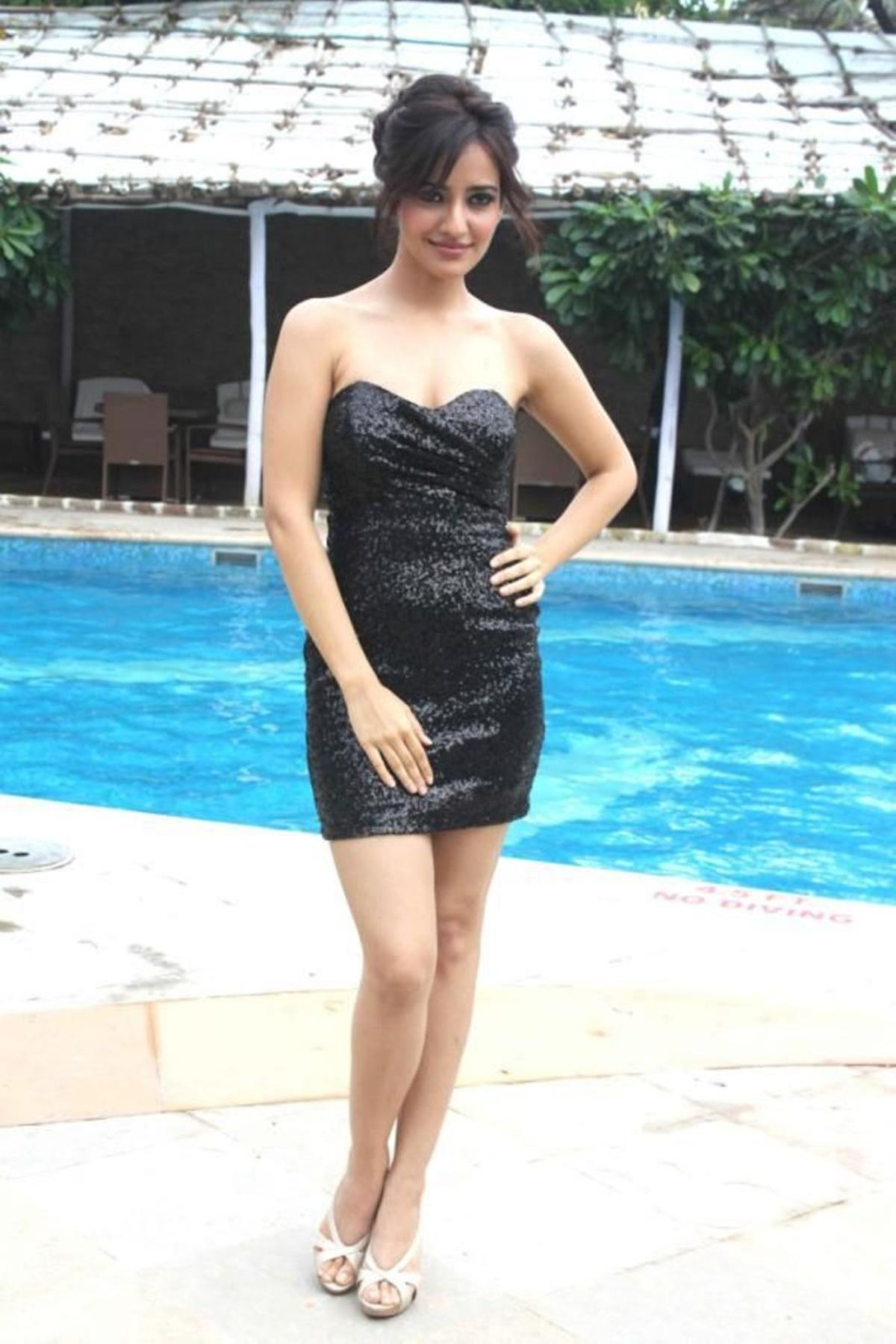 Neha Sharma hot image