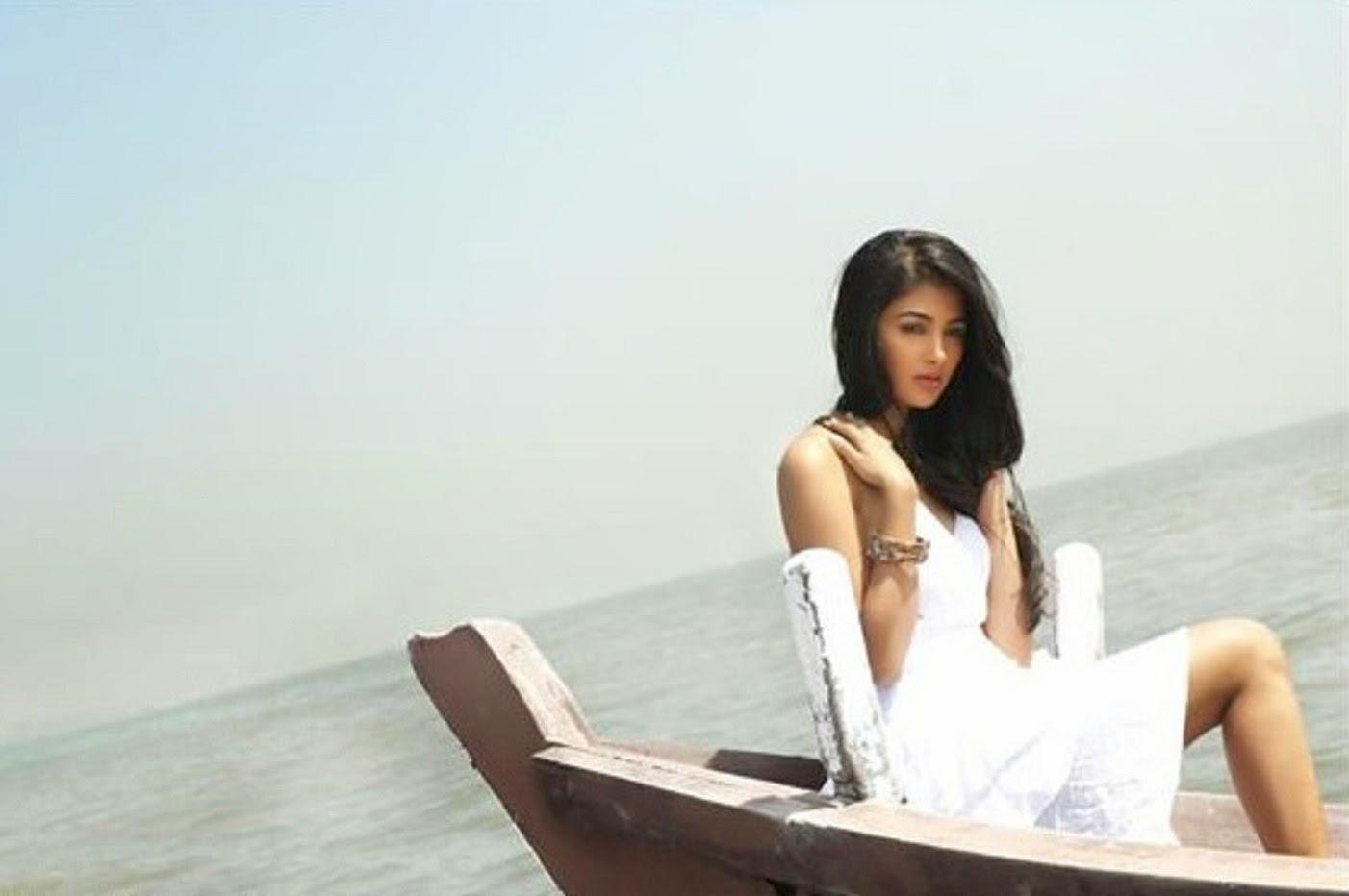 Pooja hot pics