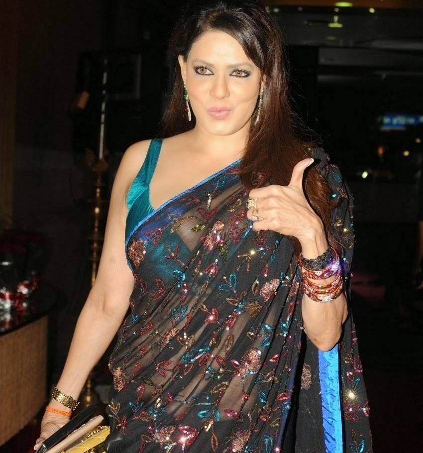 Poonam Jhawar hot images in saree